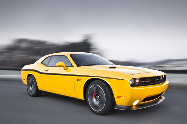 Dodge представил Challenger SRT8 392 Yellow Jacket